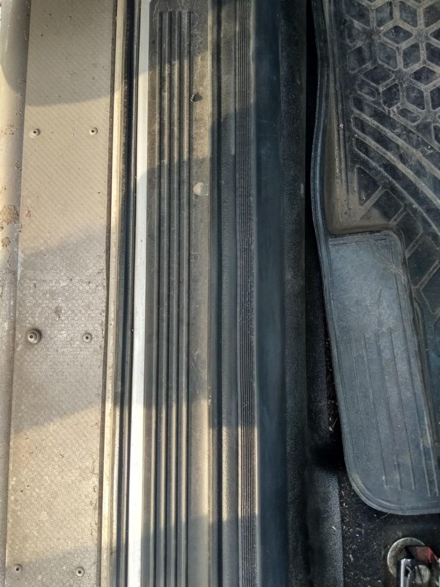 Уплотнитель двери взамен штатного (цена за 1 дверной проем) пер=зад, лев=прав